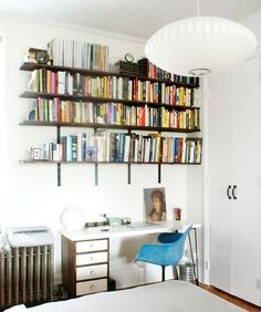 DIY bookshelves that actually HOLD BOOKS!!!