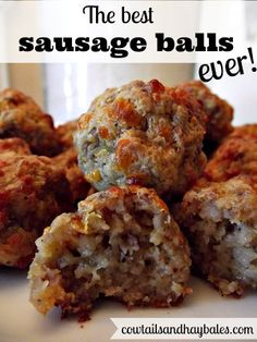 I don't know why I only make these yummy sausage balls during football season an. - I don't know why I only make these yummy sausage balls during football season and Christmas. Appetizer Recipes, Snack Recipes, Breakfast Recipes, Cooking Recipes, Breakfast Finger Foods, Wonton Appetizers, Sausage Appetizers, Brunch Appetizers, Quiche Recipes