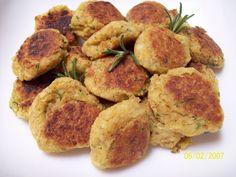 Ingredientes: Sal y pimienta 20 gr de perejil 1 pizca de Comino 2 Latas de Garbanzos 6 cdas de Aceite de oliva 1/2 cebo...