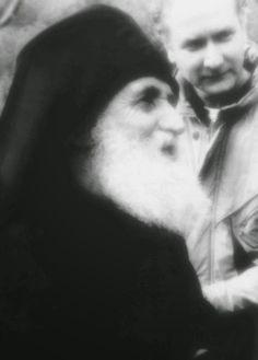 """""""Να ελέγχετε τις σκέψεις σας,να συγκρατείτε τα λόγια σας,να κυριαρχείτε στα πάθη σας,να κάνετε έργα που αντέχουν στο φως της ημέρας."""" (Άγιος Παΐσιος ο Αγιορείτης) Orthodox Christianity, Greek Words, Orthodox Icons, Note To Self, Pray, Greece, Saints, Religion, Blessed"""