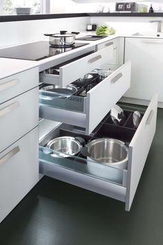 Modern Kitchen Interior Deft Space-Saving Kitchen Storage Solutions with Modern Flair - Modern Kitchen Cabinets, Kitchen Cabinet Design, Modern Kitchen Design, Interior Design Kitchen, New Kitchen, Kitchen Storage, Kitchen Decor, Kitchen Ideas, Kitchen Drawers