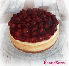 Witte chocolade cheesecake met kersen Desserts, Food, Tailgate Desserts, Deserts, Essen, Postres, Meals, Dessert, Yemek