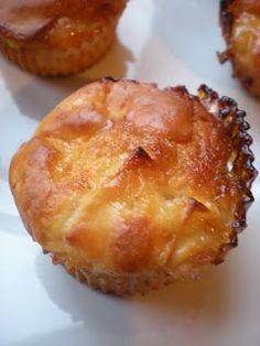 Des pommes délicieusement fondantes recouvertes d'une sauce caramel au beurre salé dans un cake moelleux sans matière grasse… Alors?...