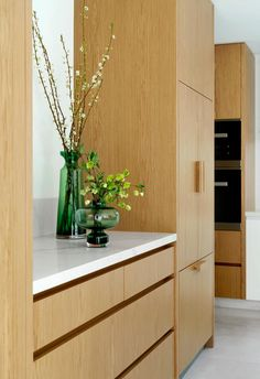 Light timber cabinetry and marble benchtop in kitchen of modern and contemporary new build home with sophistocated style. Modern Family, Home And Family, Marble Benchtop, Smart Kitchen, Step Inside, New Builds, Sophisticated Style, Contemporary Style, Kitchen Ideas