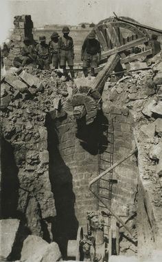 One of the wells destroyed by the Turks at Beersheba as found by British and Australian troops on the morning of November World War One, First World, November 1st, Ww2 Photos, Total War, Military History, Great Britain, Wwii, Egypt