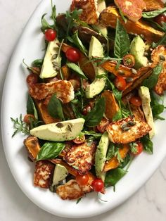 Hallumi Recipes, Veggie Recipes, Appetizer Recipes, Cooking Recipes, Healthy Recipes, Vegetarian Salad Recipes, Fried Halloumi, Chicken And Halloumi, Deserts