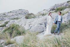 Felsenromantik - Fotostudio R. Schwarzenbach Couple love mallorca paar wedding bride groom styleshoot love forever together dress marriage beautiful