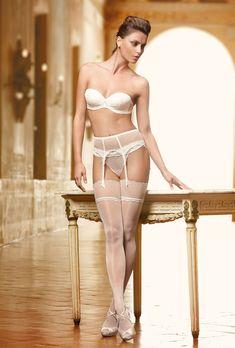 e-lingerie:  Catrinel Menghia