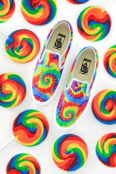 Create your own custom shoes at Vans. Choose your style, colors, patterns, laces & more. Diy Tie Dye Vans, Tie Dye Shoes, How To Dye Shoes, Painted Vans, Painted Sneakers, Painted Shoes, Vans Checkerboard Slip On, Rainbow Vans, Design Your Own Shoes