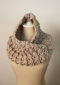 Would love this for winter coat. So who do we know that knits? Projects on Craftsy: Asterisque Cowl Knitting Pattern from phydeaux