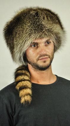 Cappello pelliccia procione con coda unisex  www.amifur.it