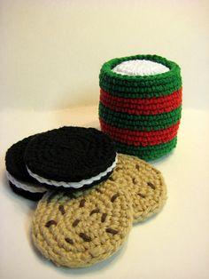 #Crochet Santa Cookies #pattern - a no-calorie treat on Christmas!