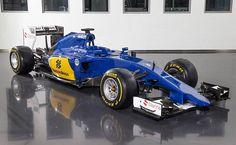 Mecânicos da Sauber mostram como é um carro de F-1 cortado ao meio +http://brml.co/1IwVmxN