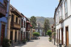 Calle Real y Basílica de Nuestra Señora del Pino; Teror, Gran Canaria (agosto 2013). © Javier Mesa