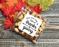 Thanksgiving favors stickers and bags set of 20 Thanks and Giving Matte white Kraft brown autumn decor table decoration rustic chic Thanksgiving Favors, Thanksgiving Tablescapes, Thanksgiving Parties, Holiday Tables, Thanksgiving Decorations, Berry Baskets, Candy Gifts, Party Favor Bags, Fall Decor