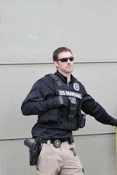 Holler for a marshall Law Enforcement Careers, Federal Law Enforcement, Police Truck, Police Officer, Swat Police, Military Guard, Airsoft, Us Marshals, Hot Cops