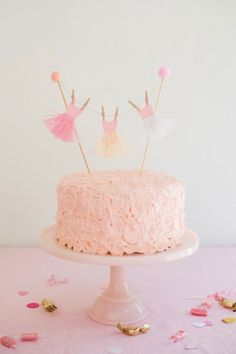 Ballerina Tutu Cake Topper DIY | Oh Happy Day!