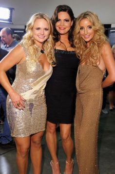 Pistol Annies ~ Just LOVE 'em! Country Female Singers, Country Music Artists, Country Music Stars, Miranda Lambert, Ashley Monroe, Pistol Annies, Hot Country Girls, Music People, Famous Women
