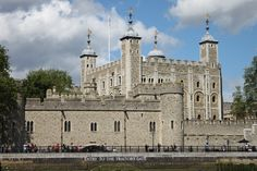 2014 Tower of London - this is where they keep the Crown Jewels. 👑