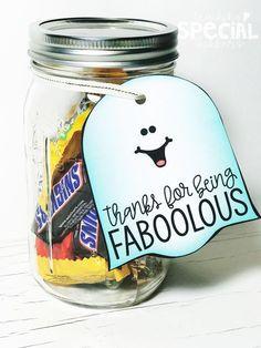 Halloween Teacher Gifts, Holidays Halloween, Halloween Fun, Halloween Labels, Fall Teacher Gifts, Halloween Makeup, Halloween Class Treats, Halloween Decorations, Gift Ideas
