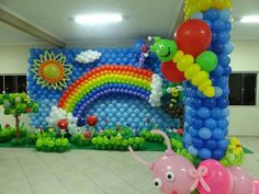Mural y easy sistem Diy Hot Air Balloons, Rainbow Balloons, Baby Boy 1st Birthday Party, Trolls Birthday Party, Balloon Backdrop, Balloon Wall, Balloons Galore, Birthday Balloon Decorations, Balloon Arrangements