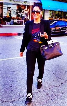 Lovin how chic Tracee Ellis Ross is in these Jordan 5 retros!! Who says you can't get your feminine-y on in kicks!!