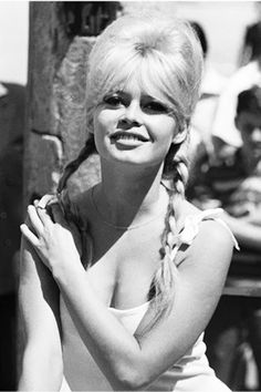 Brigitte Bardot's most beautiful summery hairstyles Celebrity Skin, Life Pictures, Saint Tropez, Brigitte Bardot, Vintage Photographs, Summer Hairstyles, Hair Looks, Cannes, Rihanna