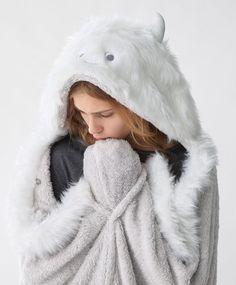 Плед 'Cнежный человек' - null - Тенденции женcкой моды Осень-зима 2016 на Oysho онлайн: нижнее белье, спортивная одежда, пижамы, купальники, бикини, боди, ночные рубашки, аксессуары, обувь и аксессуары. Модели для каждой женщины!