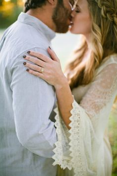 The perfect Rose Gold Engagement Ring! And a STUNNING bohemian engagement session! LOVE her hair and Free People dresses!