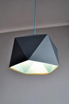 Oświetlenie Lampa Origami Triangle - Grey/Blue, od projektanta Nowych Form Manufaktura   Mustache.pl