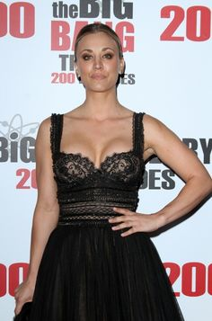 Kaley Cuoco And Her Cleavage Stole The Show At 'The Big Bang Theory' Episode Celebration Young Actresses, Actors & Actresses, Caley Cuoco, Melissa Raunch, Karen Gillan, Famous Stars, Celebrity Feet, Beautiful Celebrities, Bigbang