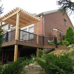 Timbertech Evolutions decking, Radiance Rail, Western Red Cedar Pergola