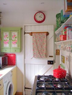 cute kitchen. love the pastels/red #kitchen design #modern kitchen design #kitchen interior design #kitchen interior| http://kitchendecoratingjaren.blogspot.com
