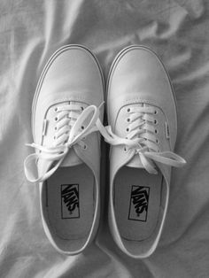 DAMMMMN DANIEL BACK AT IT WITH THE WHITE VANS!<<<< Honestly, that caption is what made me pin this hahaha