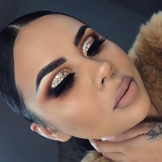Glitter Eye Makeup In 2019 Eye Make Up Dramatic – Images Gallery Baddie Makeup, Glam Makeup, Pretty Makeup, Makeup Inspo, Eyeshadow Makeup, Makeup Inspiration, Beauty Makeup, Makeup Ideas, Makeup For Prom