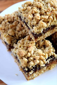 Newfoundland Date Squares - Lord Byron's Kitchen Date Recipes Desserts, Köstliche Desserts, Baking Recipes, Cookie Recipes, Delicious Desserts, Heart Healthy Desserts, French Desserts, The Oatmeal, Holiday Baking