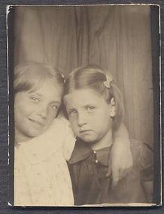 Vintage Photo Cute Girls in Photobooth 843833 | eBay