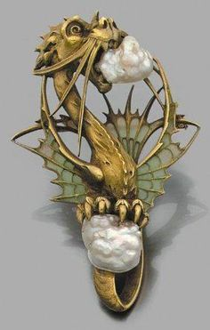 Art Nouveau carved dragon pendant in yellow gold set with two baroque pearls. - Art Nouveau carved dragon pendant in yellow gold set with two baroque pearls, wings decorated w - Bijoux Art Nouveau, Art Nouveau Jewelry, Jewelry Art, Antique Jewelry, Vintage Jewelry, Jewelry Design, Gold Jewelry, Jewelry Stand, Diamond Jewellery