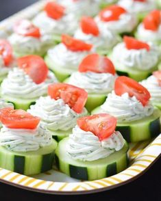 These fresh Dilly Cucumber Bites make a great healthy appetizer. Cucumber slices… These fresh Dilly Cucumber Bites make a great healthy appetizer. Cucumber slices are topped with a fresh dill cream cheese and yogurt mixture, and finished with a juicy cher Light Appetizers, Appetizers For Party, Appetizer Recipes, Appetizer Ideas, Easy Summer Appetizers, Easy Party Snacks, Party Food Ideas, Bunco Snacks, Birthday Appetizers
