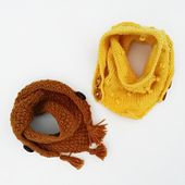 A practical and cool looking scarf that sticks to your toddler or kid (or yourself) without risking slipping off or choking like a regular scarf. A super simple and fast knit and takes any outfit to the next level. Knitting For Kids, Baby Knitting Patterns, Crochet For Kids, Baby Patterns, Crochet Baby, Crochet Christmas Wreath, Crochet Unicorn Pattern, Crochet Scarf Easy, Crochet Squares Afghan