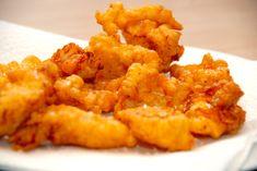 Beignetdej bruges til at dyppe stykker af fisk, løgringe og andet i, og derefter steges det i fritureolie. Giver en sprød og luftig dej. Til en portion beignetdej skal du bruge: 100 gram hvedemel 1,5 deciliter mælk 2 hele Beignets, Side Recipes, Brunch Recipes, Tapas, China Food, Danish Food, Fish Dishes, Fish And Seafood, Copycat Recipes