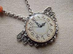 Collier cabochon horloge et perles d'agate de Anaïs Faë sur DaWanda.com