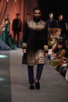 Manish Malhotra Fall Winter 2015 Otoño Invierno - Lakme Fashion Week | #Menswear #Trends #Tendencias #Moda Hombre