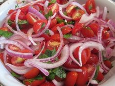 Rajčatový salát s červenou cibulkou / Tomato salad with red onion Detox Recipes, Soup Recipes, Salad Recipes, Cooking Recipes, Tomato Salad, Caprese Salad, Onion Salad, Mint Salad, Modern Food