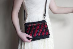 Dragon scalemail cross body bag!  https://www.etsy.com/listing/507332047/scalemaille-crossbody-purse-dragon-bag