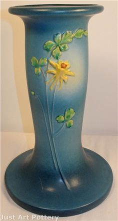Roseville Pottery Columbine Blue Pedestal from Just Art Pottery Mccoy Pottery Vases, Weller Pottery, Rookwood Pottery, Roseville Pottery, Antique Pottery, Ceramic Pottery, Pottery Art, Hull Pottery, Painted Pottery