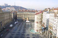 """Lyon - """"We LOVE Rosette"""" de Étienne Lethon. La fontaine Bartholdi, va bientôt quitter la place des Terreaux pour être restaurée (2 ans). La municipalité a lancé un vote pour trouver une oeuvre de remplacement durant la rénovation. Nous vous invitons donc à consulter ces 4 projets et à voter pour votre préféré.(Poisson d'Avril!)"""