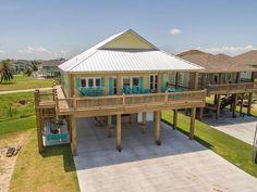 Brand new 2015 beach house-sleeps 12-14... - HomeAway Crystal Beach