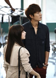 I was okay with just the stills of Kim Tan and Eun Sang. This … I can wait. In these latest stills, Tan appears caught off guard by Rachel's hug. It's a passionate farewell… Heirs Korean Drama, Korean Drama Stars, Korean Drama Quotes, Korean Star, The Heirs, Korean Dramas, Choi Jin Hyuk, Kang Min Hyuk, Korean Celebrities