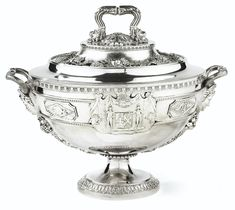 A SILVER COVERED SOUP TUREEN, PAUL STORR, LONDON, 1813